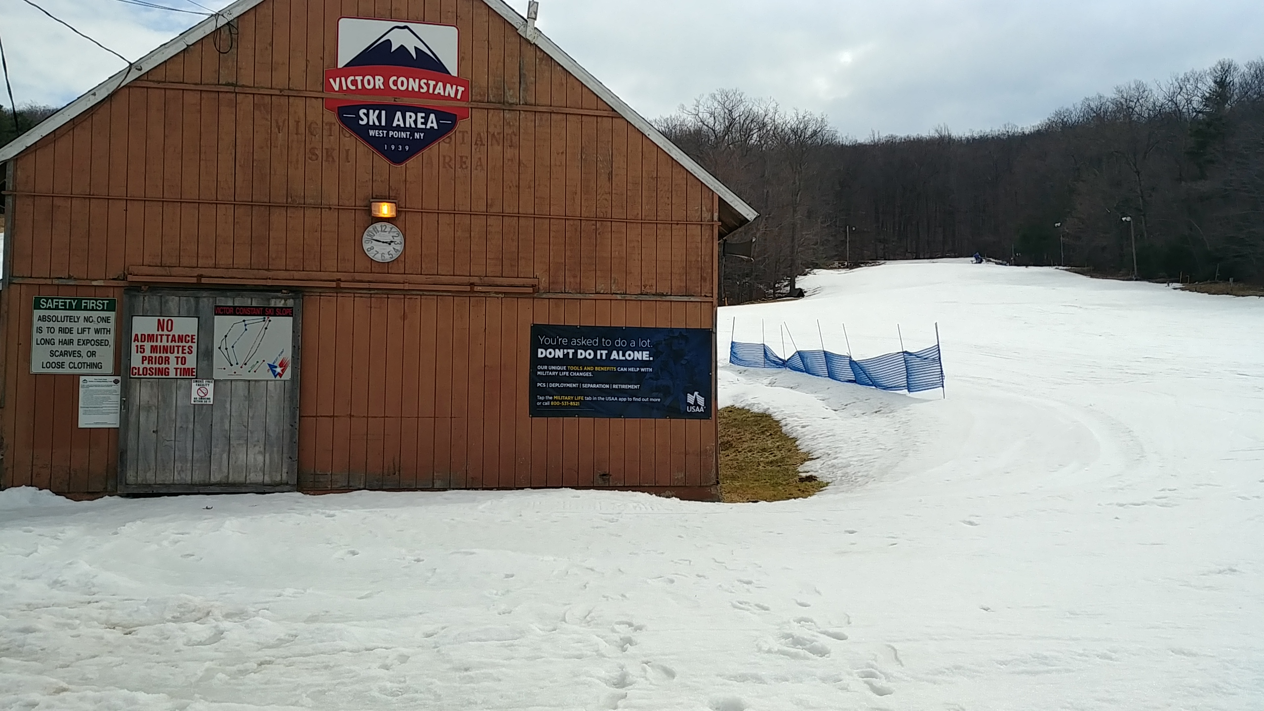 Victor Constant Ski Area - Banner Advertising - Chair Lift House
